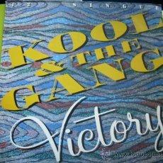 Discos de vinilo: KOOL & THE GANG-VICTORY-MAXISINGLE MERCURY DE 1986 PEPETO. Lote 227069785