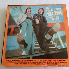 Discos de vinilo: LOS HERMANOS CATATRAVA - CANTAN EN ESPAÑOL 1974. Lote 34325303