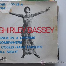 Discos de vinilo: SHIRLEY BASSEY-THE LADY IS A TRAMP EP. Lote 34523427