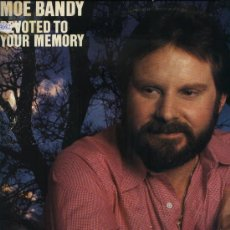Discos de vinilo: MOE BANDY - DEVOTED TO YOUR MAMORY . Lote 34625917
