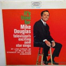 Discos de vinilo: MIKE DOUGLAS- MY LOVE FORGIVE ME+3 -SPANISH EP 1965. EPIC. NEAR MINT.THE BEATLES.THE ROLLING STONES.. Lote 35283583