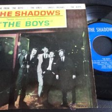 Discos de vinilo: THE SHADOWS TEMA MUSICAL PELICULA THE BOYS 1962. Lote 35341340