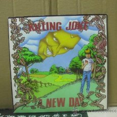 Discos de vinilo: KILLING JOKE - A NEW DAY / DANCE DAY - EG RECORDS 1984. Lote 154370901