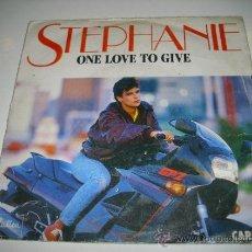 Discos de vinilo: STEPHANIE ESTEFANIA DE MONACO ONE LOVE TO GIVE / LE SEGA MAURICIEN (1986 CARRERE) . Lote 35867268