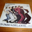 Discos de vinilo: DISCO SINGLE MADNESS, UN PASO ADELANTE. PUNK ROCK OI HARD CORE SKA. Lote 36409137