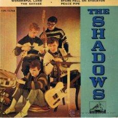 Discos de vinilo: THE SHADOWS - WONDERFUL LAND - THE SAVAGE - PEACE PIPE - STARS FELL ON STOCKTON. Lote 36796609