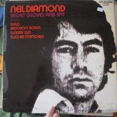 Discos de vinilo: NEIL DIAMOND - VELVET GLOVES AND SPIT - LP MCA 1973. Lote 36886775