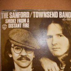 Discos de vinilo: EP THE SANFORD – TOWNSEND BAND – SMOKE FROM A DISTANT FIRE – HISPAVOX. Lote 37257997