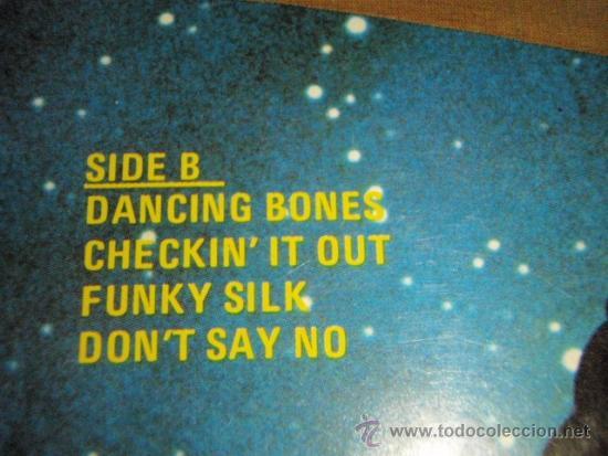 Discos de vinilo: REDBONE featuring PAT & LOLLY VEGAS ( CYCLES ) 1977 - GERMANY LP33 RCA - Foto 4 - 37259365