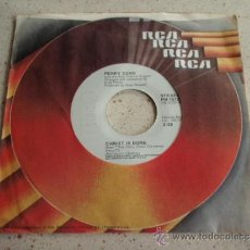 Discos de vinilo: PERRY COMO ( CHRISTMAS DREAM - CHRIST IS BORN ) USA SINGLE45 RCA. Lote 37372118