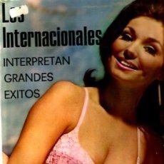 Discos de vinilo: LP LOS INTERNACIONALES : INTERPRETAN GRANDES EXITOS ( PUBLICADO POR DISCOS BAMBUCO ). Lote 37856174