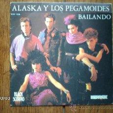 Discos de vinilo: ALASKA Y LOS PEGAMOIDES - BAILANDO (EN CASTELLANO ) + BAILANDO ( EN INGLES). Lote 38770565