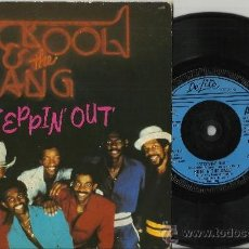 Discos de vinilo: KOOL AND THE GANG SINGLE STEPPIN' OUT/JUST FRIENDS INGLATERRA 1981. Lote 38935899