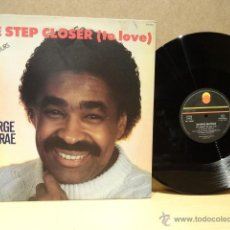 Discos de vinilo: GEORGE MC CRAE. ONE STEP CLOSER ( TO LOVE ). MAXI SINGLE - TREMA - 1984. BUENA CALIDAD. ***/***. Lote 40623543