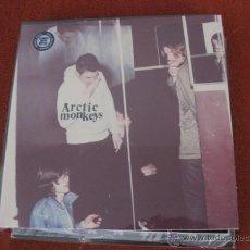 Discos de vinilo: ARCTIC MONKEYS - HUMBUG - LP DOMINO 2009 NUEVO. Lote 109730370