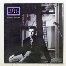 Discos de vinilo: RICK ASTLEY - 'HOLD ME IN YOUR ARMS' (MAXI SINGLE VINILO / VINYL MAXI SINGLE) - PEDIDO MÍNIMO 8€. Lote 42022615