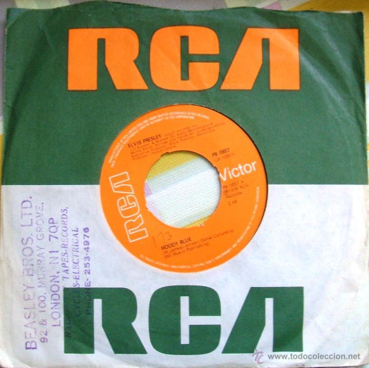 Discos de vinilo: ELVIS PRESLEY: Single MOODY BLUE / SHE THINKS I STILL CARE - UK, 1977 - Foto 4 - 42451367
