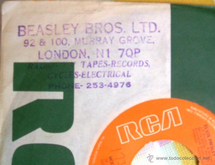 Discos de vinilo: ELVIS PRESLEY: Single MOODY BLUE / SHE THINKS I STILL CARE - UK, 1977 - Foto 6 - 42451367