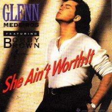 Discos de vinilo: GLENN MEDEIROS FEATURING BOBBY BROWN-SHE AIN´T WORTH IT + VICTIM OF LOVE SINGLE VINILO 1990 SPAIN. Lote 42938727