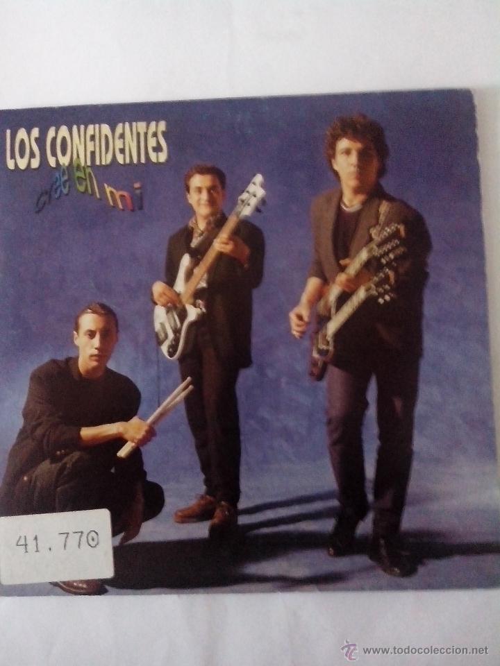 LOS CONFIDENTES.CREE EN MI. EN UN ARMARIO OSCURO. FONOMUSIC 03.4035 (1991) (Música - Discos - Singles Vinilo - Grupos Españoles de los 90 a la actualidad)