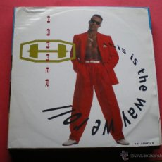 Discos de vinilo: M. C. HAMMER - THIS IS THE WAY WE ROLL MAXI. Lote 44015813