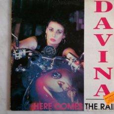 Discos de vinilo: DAVINA. HERE COMES THE RAIN.. Lote 46128726