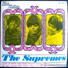 Discos de vinilo: THE SUPREMES - LOVE IS HERE AND NOW YOU'RE GONE + 3 CANCIONES - EP ORIGINAL ESPAÑOL. Lote 25947818