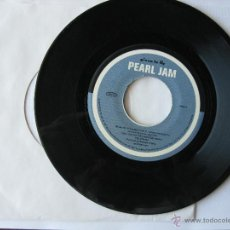Discos de vinilo: PEARL JAM. GIVEN TO FLY/PILATE-LEATHERMAN. 3 SONGS. 1997 U.S.A. EPIC YIELD 68164. Lote 46923463