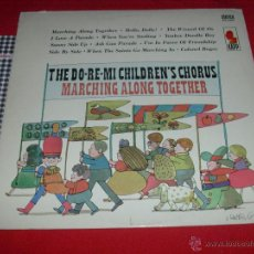 Discos de vinilo: THE DO RE MI CHILDREN'S CHORUS MARCHING ALONG TOGETHER MILTON GLASER USA LP. Lote 47698235