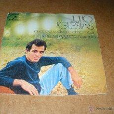 Discos de vinilo: JULIO IGLESIAS, CUANDO VUELVA A AMANECER, A VECES PREGUNTO AL VIENTO, COLUMBIA, MO 1062, DEL 1970.. Lote 47817938