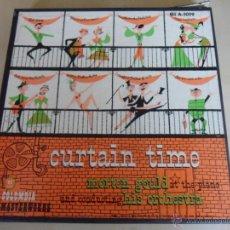 Discos de vinilo: CURTAIN TIME. MORTON GOULD AT THE PIANO AND CONDUCTING HIS ORCHESTRA. ESTUCHE CON 4 SINGLES. COLUMBI. Lote 48317100
