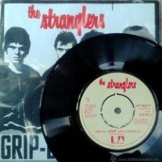 Discos de vinilo: STRANGLERS. LONDON LADY/ (GET A) GRIP (ON YOURSELF). UA, UK 1977 SINGLE ORIGINAL +COPIA DE CUBIERTA. Lote 48932328
