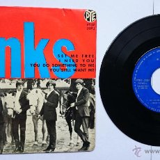 Discos de vinilo: THE KINKS - SET ME FREE / I NEED YOU / YOU DO SOMETHING TO ME / YOU STILL WANT ME (1965). Lote 49145531