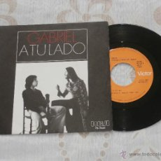 Discos de vinilo: GABRIEL (MI GENERACION) (SANTI PICO) 7´SG A TU LADO / LLUEVE (1977) VINILO NUEVO. Lote 49323082