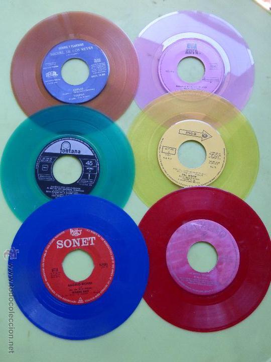 LOTE DE 6 SINGLES DE DIFERENTES COLORES-DISCO SINGLE DE COLOR-VINTAGE-INTERESANTE PARA DECORACIÓN (Música - Discos - Singles Vinilo - Otros estilos)