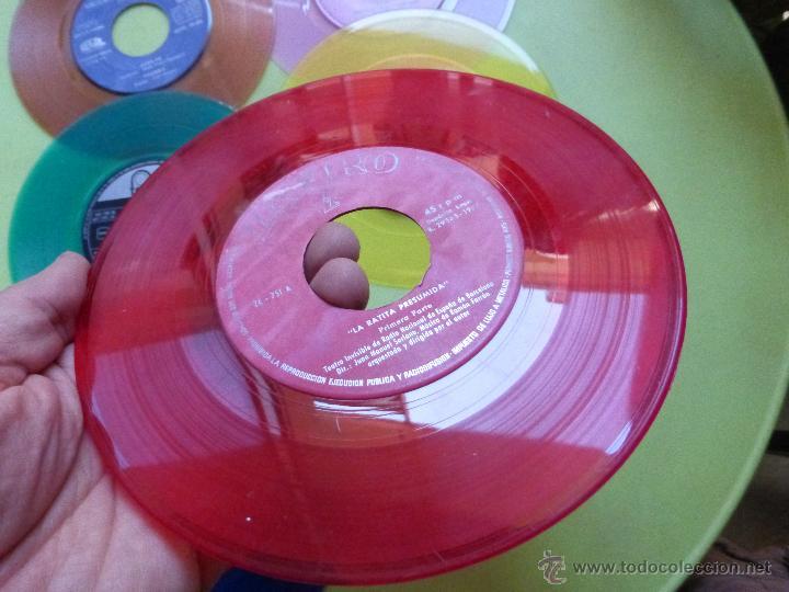 Discos de vinilo: LOTE DE 6 SINGLES DE DIFERENTES COLORES-DISCO SINGLE DE COLOR-VINTAGE-INTERESANTE PARA DECORACIÓN - Foto 6 - 49420956