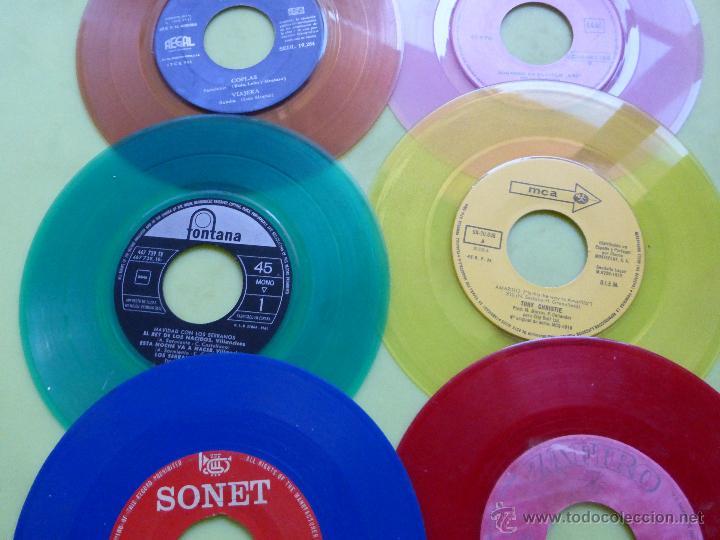 Discos de vinilo: LOTE DE 6 SINGLES DE DIFERENTES COLORES-DISCO SINGLE DE COLOR-VINTAGE-INTERESANTE PARA DECORACIÓN - Foto 9 - 49420956