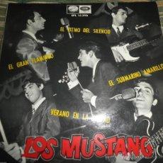 Discos de vinilo: LOS MUSTANG - SUBMARINO AMARILLO EP - ORIGINAL ESPAÑOL - LA VOZ DE SU AMO / EMI 1966 - MONOAURAL -. Lote 49700949