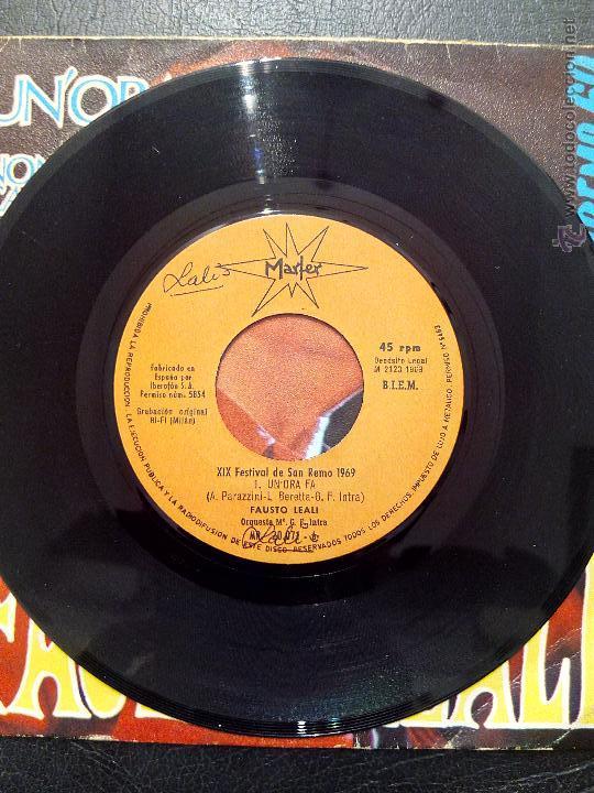 Discos de vinilo: SINGLE FAUSTO LEALI - UN'ORA FA - XIX FESTIVAL DE SAN REMO 1969 - MARFER. - Foto 3 - 50446839