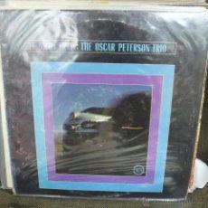 Discos de vinilo: NIGHT TRAIN - THE OSCAR PETERSON TRIO-USA -1962. Lote 50535220