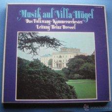 Discos de vinilo: DAS FOLKWANG KAMMERORCHESTER MUSIK AUF VILLA HUGEL CAJA TRIPLE LP ALEMANIA PDELUXE. Lote 51013191