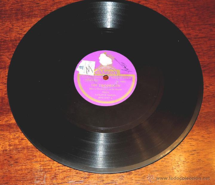 DISCO DE PIZARRA DE CARLITOS GARDEL: GIMIENDO / UN TROPEZÓN. ED. ODEON. TANGO, 200037. (Música - Discos - Singles Vinilo - Flamenco, Canción española y Cuplé)