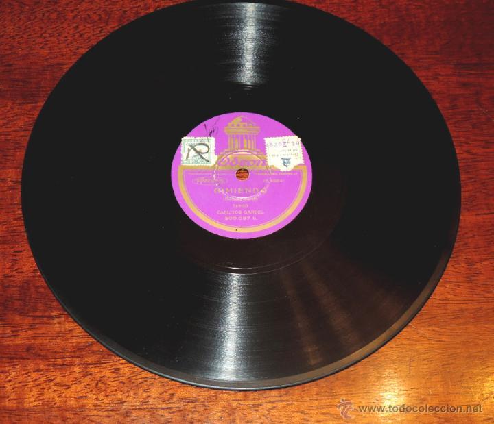 Discos de vinilo: DISCO DE PIZARRA DE CARLITOS GARDEL: Gimiendo / Un tropezón. ED. Odeon. Tango, 200037. - Foto 2 - 51101383