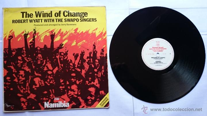 ROBERT WYATT (SOFT MACHINE) WITH THE SWAPO SINGERS - THE WIND OF CHANGE / NAMIBIA (MAXI 1985) (Música - Discos de Vinilo - Maxi Singles - Étnicas y Músicas del Mundo)