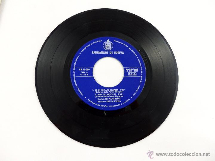 Discos de vinilo: EP LOS MARISMEÑOS. FANDANGOS DE HUELVA. YO ME VOY A LA ALAMEDA- MIRA QUE BONITA ES... - Foto 2 - 52158382