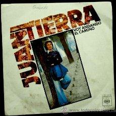 Discos de vinilo: JUAN TIERRA (SINGLE CBS 1976) VOY ANDANDO EL CAMINO / VENTE PARA MI PUEBLO - CUENCA. Lote 52534351