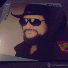 Discos de vinilo: WAYLON JENNINGS --- HANGIN TOUGH . Lote 53258866