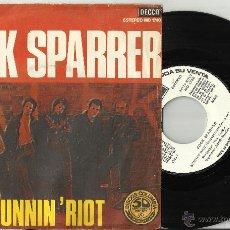 Discos de vinilo: COCK SPARRER SINGLE PROMOCIONAL RUNNIN' RIOT-SISTER SUZIE.ESPAÑA 1977.ESCUCHADO. Lote 253816425