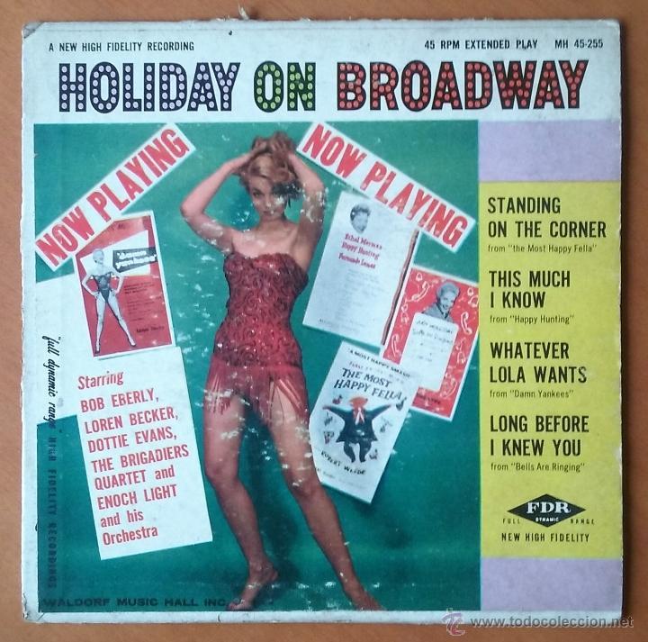 HOLIDAY ON BROADWAY. ENOCH LIGHT & ORCHESTRA. EP. WALDORF MUSIC HALL. MH 45-255. AÑOS 50. USA. segunda mano