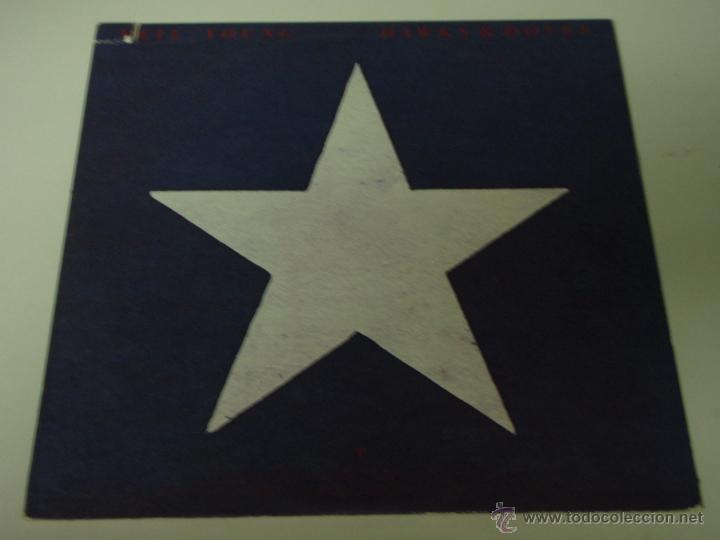 NEIL YOUNG ( HAWKS & DOVES ) USA - 1980 LP33 WARNER BROS RECORDS (Música - Discos - LP Vinilo - Pop - Rock - New Wave Extranjero de los 80)